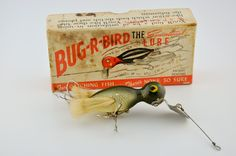 The Wonder State Bug R Bird Lure was made in Helena Arkansas. This antique lure was first introduced in 1948 and is shown in the correct box. Best Fishing Lures, Vintage Fishing Lures, Fishing Videos, Fishing Tackle, Fishing Boats, Fly Fishing, Lure Box, Fishing Basics, Fishing