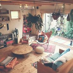 16 Bohemian Interior Design Ideas Love this! The post 16 Bohemian Interior Design Ideas appeared first on DIY Fashion Pictures. Living Room Furniture, Living Room Decor, Living Spaces, Bedroom Decor, Hippie Living Room, Bedroom Ideas, Bedroom Plants, Bedroom Lighting, Bohemian Living Rooms