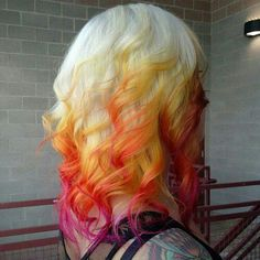 Pretty colors..  I've had my hair like this before and I really liked it!!