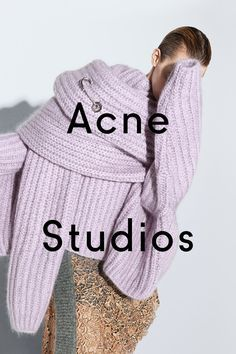 "Back acne is also popularly known as ""Bacne"". There are natural ways on how to get rid of back acne that can bring back the beauty of your skin. Fashion Graphic, Fashion Design, Logos Retro, Fashion Advertising, Mode Editorials, Look Cool, Acne Studios, Editorial Fashion, Fashion Brands"