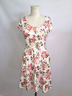 Floral Pocket Dress: White