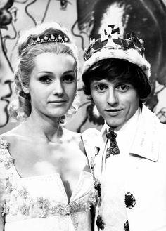 Vaclav Neckar and Helena Vondrackova Born To Die, Kid Movies, Christmas Movies, Love Is All, Czech Republic, Couple Goals, Movie Stars, Fairy Tales, Entertaining