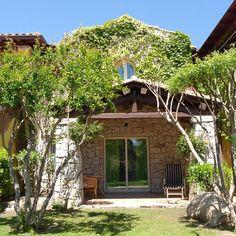 Green little houses at #cruccurisresort  #villasimius #sardinia #greenstyle #romantic #sunnyday