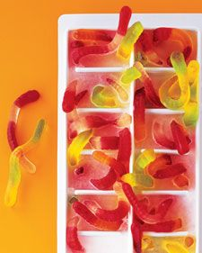 Worm Ice Cubes for Halloween ~ put gummy worms in ice-cube tray and fill with water