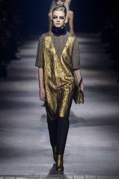 Pin for Later: Les 9 Plus Grandes Tendances Sorties de la Fashion Week de Paris  Dries Van Noten