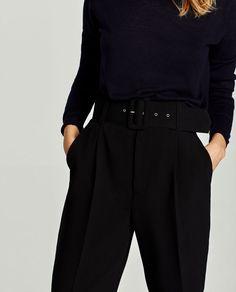 Photo (Fashion Gone rouge) Fashion Gone Rouge, 60 Fashion, Office Fashion, Urban Fashion, Fashion Outfits, Womens Fashion, Work Wardrobe, Minimalist Fashion, Everyday Fashion