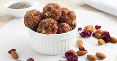 Recette de Energy balls aux amandes, dattes et cranberries. Facile et rapide à réaliser, goûteuse et diététique. Ingrédients, préparation et recettes associées.