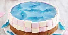 Hier gibt's das Rezept für eine süße Delfin-Torte. Backen Sie diese Kindertorte zur nächsten Kinderparty - es ist einfacher als es aussieht, versprochen!