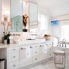 Bathroom by Powell & Bonnell. #obistool #obicollection . . . #unique #elegant #luxury #sophisticated #photooftheday #luxuryrealestate #instagood #picoftheday #homedecor #dreamhouse #hgtv #goals #decor #gorgeous #inspiration #Toronto #beautiful #beauty #interiordesign #luxe #handmade #highend #furniture #lighting #textiles.