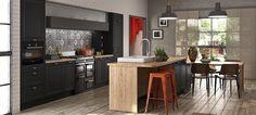Une cuisine fonctionnelle Inspirée de l'esprit cottage anglais, cette cuisine Orna vous inspire naturellement un sentiment de confort, d'intimité et de bie