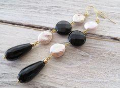 Orecchini perle keshi rosa e onice nero, pendenti lunghi a goccia, gioielli