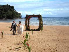 Fiji wedding. Beach wedding. Kulu Bay Resort.