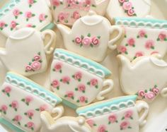 Tea Pot and Tea Cup Cookies Victorian Cottage Chic by MartaIngros Teekanne und Teetasse Cookies Victorian Cottage Chic von MartaIngros Girls Tea Party, Tea Party Birthday, 2nd Birthday, Victorian Tea Party, Victorian Cottage, Vintage Tea Parties, Vintage Party, Teapot Cookies, Tea Party Bridal Shower