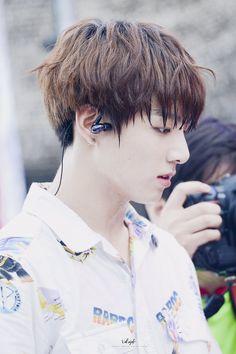 Y/n and Jungkook are both Kpop idols. Jungkook is in a group called B… Fanfiction Foto Jungkook, Jungkook Jeon, Kookie Bts, Jungkook Oppa, Bts Bangtan Boy, Bts Boys, Namjoon, Taehyung, Daddy