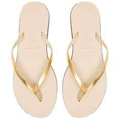 Havaianas You Metallic Flip Flop ($41) ❤ liked on Polyvore featuring shoes, sandals, flip flops, rubber sandals, rubber sole flip flops, havaianas sandals, havaianas shoes and metallic sandals