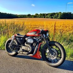caferacerxxx:From @federico_motor_co #Sweden #crxxx #caferacerxxx #ride #custom