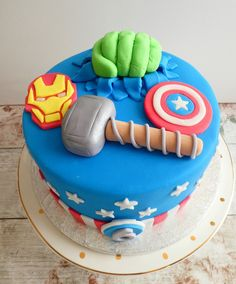46 Avengers Birthday Party Ideas: Food and Superhero Activities 1st Birthday Boy Themes, Party Themes For Boys, Superhero Birthday Party, Boy Birthday Parties, 5th Birthday, Birthday Cakes, Cake For Boyfriend, Strawberry Shortcake Party, Birthday Cake With Candles
