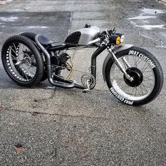 -bike and E- moto builder doing his new Hybrid Dually Front . Motorcycle Tips, Motorcycle Shop, Motorcycle Style, Motorcycle Outfit, Motorcycle Quotes, Motor A Gasolina, Motorised Bike, Spin Bikes, Motorized Bicycle