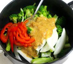 한번 맛보면 반하게 되는 된장 마요 브로콜리 무침 만드는 방법 Korean Dishes, Korean Food, Thai Red Curry, Food And Drink, Meat, Chicken, Cooking, Ethnic Recipes, Noodles