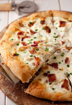 Recipe for chicken alfredo pizza. So delicious :)