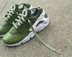 Nike Air Haurache: Green/White