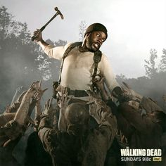 Tyreese and his weapon of choice - The Walking Dead TWD Walking Dead Zombies, The Walking Dead 3, Rick Grimes, Walking Dead Characters, Amc Twd, Dead Pictures, Talking To The Dead, Dead To Me, Music Tv