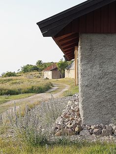 En svensk sommarkväll #Sverige #sweden #öland #sommarkväll #summer #country Sweden Travel, Places To See, Things To Do, Sidewalk, Summer, Photos, Things To Make, Summer Time, Pictures