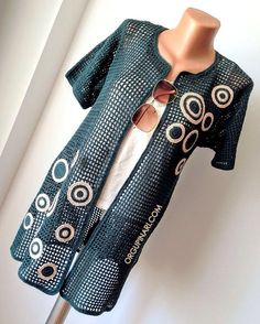 KAFES ÖRGÜ HIRKA - Örgü Pınarı France is an independent nation in Western Europe and the biggest market of a large overseas administration. Crochet Jacket, Crochet Cardigan, Knit Crochet, Cardigan En Maille, Big Knits, Spring Fashion Outfits, Crochet Fashion, Crochet Clothes, Pull