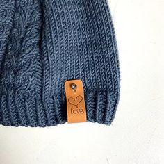 Fløtre   Skinnlapper   Strikkeoppskrifter   Strikketilbehør   Norge Knitted Hats, Knitting, Leather, Design, Fashion, Threading, Moda, Tricot, Fashion Styles