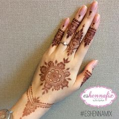 Simple, but elegant Henna Tattoos, Henna Tattoo Motive, Mehandi Henna, Mehndi Tattoo, Henna Art, Mehendi, Mandala Tattoo, Henna Designs Easy, Mehndi Art Designs