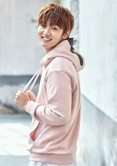 """After filming """"Legend Of The Blue Sea"""", Shin Won Ho is more popular than ever – he was chosen as the model for """"NII"""" fashion brand. We're happy for … Drama Korea, Korean Drama, Asian Actors, Korean Actors, Shin Cross Gene, Shin Won Ho Cute, Legend Of Blue Sea, Shin Won Ho Legend Of The Blue Sea, Hong Ki"""