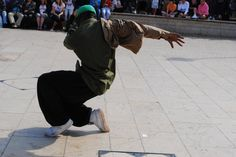 Funky Street dancer doing his thing - www.streets-united.com