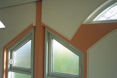 Dekorativ gemalte Fensterrahmen vom Malerbetrieb Windheuser GmbH in Kettig (56220)   Maler.org