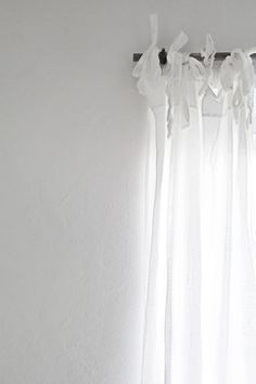 ~ I've looked & looked for the style of curtains I want to make for our tiny cottage ~ these!!! ♥