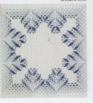 Resultado de imagen de motivos de punto yugoslavo para manteles Swedish Weaving Patterns, Swedish Embroidery, Chicken Scratch Embroidery, Hand Embroidery Stitches, Needle And Thread, Textile Art, Needlepoint, Needlework, Diy And Crafts