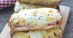 Le vrai croque-monsieur, ce n'est pas seulement du pain avec des tranches de fromage et du jambon. L'idéal est de le faire avec de la sauce béchamel qui va le rendre tellement moelleux. Comme dans les brasseries parisiennes en fait. C'est super simple à faire à la maison et ON ADORE !!