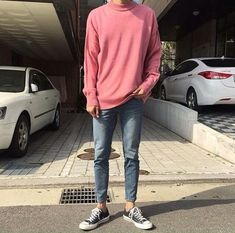 New Fashion Korean Men Street Ideas Pink Sweater Men, Pink Sweater Outfit, Pink Jumper, Fashion Moda, Boy Fashion, Mens Fashion, Fashion Outfits, Fashion Trends, Runway Fashion