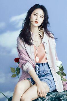 Top 5 beautiful girls of china Beautiful Muslim Women, Beautiful Girl Image, Chinese Model, Chinese Style, Asian Style, Korean Girl, Asian Girl, Cute Girl Photo, Chinese Actress