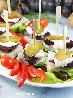 Koreczki | AniaGotuje.pl Fruit Salad, Cheddar, Appetizers, Impreza, Home Kitchens, Finger Food, Fruit Salads, Cheddar Cheese, Appetizer
