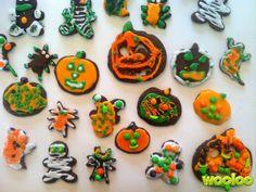 Il me semble que ça fait longtemps que je ne vous ai pas parlé de biscuits et de ma très belle relation avec la décoration de biscuits à l'emporte-pièce! Je suis loin d'être une pro, mais j'adore décorer des biscuits avec les enfants. Je ne sais pas pourquoi, à l'halloween, je fais toujours ma recette …