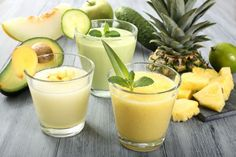 Jus de citron vert ananas et orange. Tropical fruit juice with picual extra virgin olive oil from Spain - Gluten free Recipes Fruit Smoothies, Smoothies Detox, Juice Smoothie, Avocado Smoothie, Fruit Juice, Lime Juice, Jus Fruit, Healthy Fats, Healthy Recipes