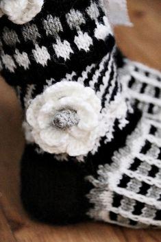 Minullakin on Anelmaiset! Beanie, Socks, Hats, Clothes, Accessories, Fashion, Tights, Outfits, Moda