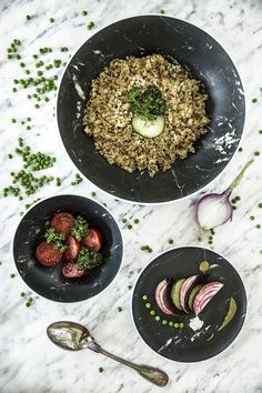 De Osmos Schaal van ZakDesigns maakt het serveren van gerechten wel erg gemakkelijk en stijlvol. Handig voor bij een barbecue of op de camping. De schaal is vervaardigd uit melamine. Deze kunststofsoort is erg licht en vrijwel onbreekbaar. Dit materiaal verzekerd je ervan dat je hier nog lang van kunt genieten. Acai Bowl, Breakfast, Food, Campsite, Crickets, Simple, Acai Berry Bowl, Morning Coffee, Essen