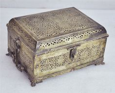 1850s Indian Antique Hand Crafted Engraved Brass Paan Daan Betel Nuts Box
