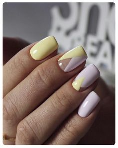 Nail art Christmas - the festive spirit on the nails. Over 70 creative ideas and tutorials - My Nails Yellow Nails Design, Yellow Nail Art, Cute Nails, Pretty Nails, My Nails, Manicure E Pedicure, White Manicure, Manicure Ideas, Latest Nail Art