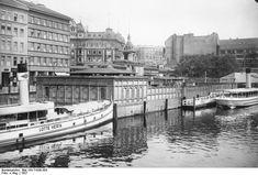 ADN-ZB, Berlin Das Flußbad Pochhammer, gelegen zwischen Waisenbrücke und Jannowitzbrücke (Aufn. 1927)