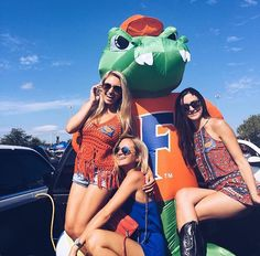 University of Florida College Game Days, College Girls, College Outfits, College Life, College Football, Best Friend Goals, Best Friends, Life After High School, Florida Girl