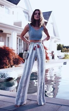 / Grey Knit Sleeveless Crop Top + Striped Palazzo Trendy Wide Leg Palazzo Pants Outfit I just adore this pair of palazzo pants. This palazzo pants go well with all my tops and blouses and shirts. Best List of amazing list of Palazzo Pants Outfit f Look Fashion, Fashion Outfits, Womens Fashion, Fashion Clothes, Boho Clothing, Trendy Fashion, Fashion Ideas, Latest Trends In Fashion, Fashion 2018