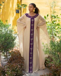 Latest African Fashion Dresses, African Dresses For Women, African Attire, African Wear, Indian Dresses Traditional, African Fashion Traditional, Muslim Evening Dresses, Moslem Fashion, Red Long Sleeve Dress