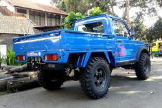 Nice blue suzuki samurai pick-up